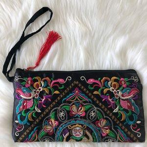 Handbags - 🎉Host Pick🎉🌹🌺Embroidered handbag🌺🌹